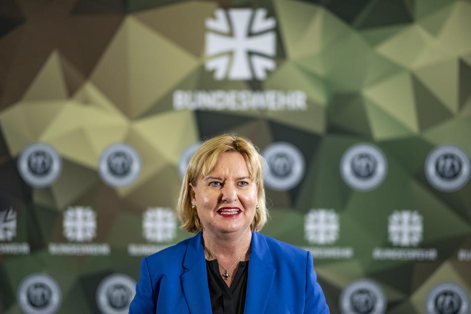 Eva Högl (52, SPD), Wehrbeauftragte der Bundestags, spricht in der Führungsakademie der Bundeswehr.