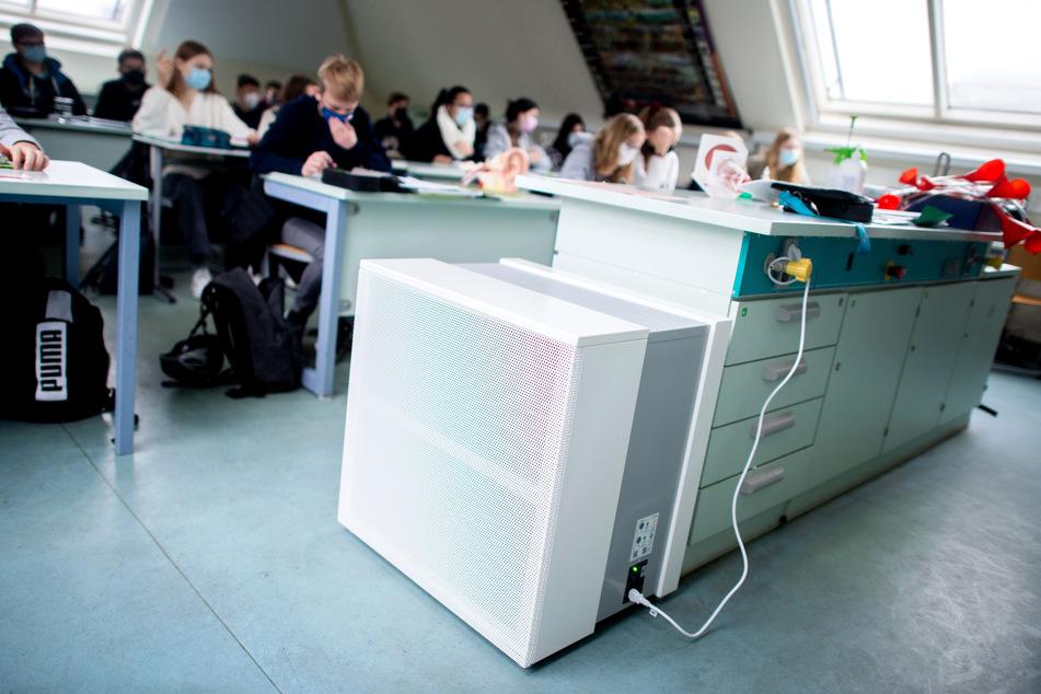Solch ein Luftfiltergerät soll laut SPD in allen Schulen in NRW landen.
