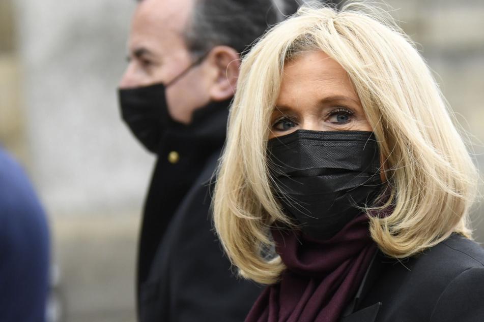 Brigitte Macron (67), Ehefrau des französischen Präsidenten, Emmanuel Macron (42).