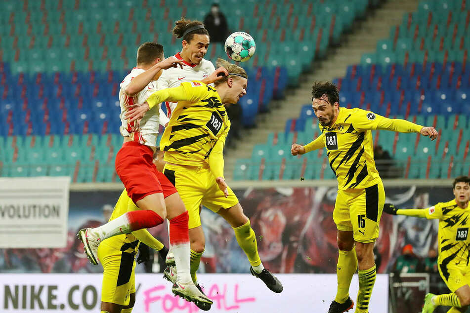 Möglicherweise fehlt Dortmunds Goalgetter Erling Haaland (3.v.r.) dem BVB gegen RB.