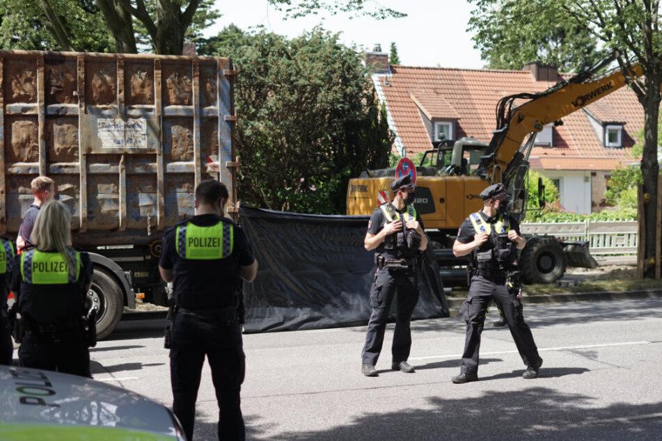 Schrecklicher Unfall: Radfahrer von Lkw erfasst und getötet