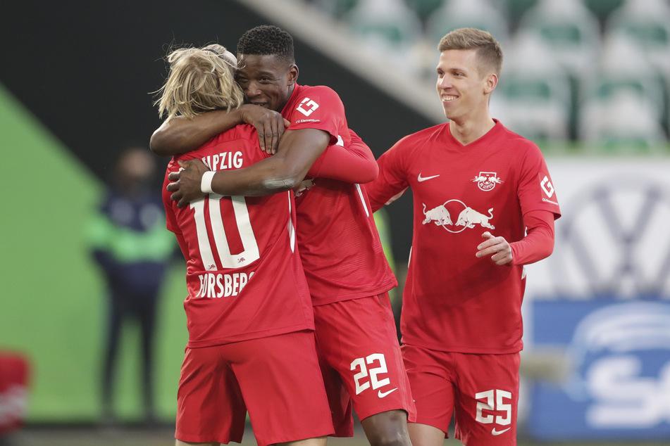 Dani Olmo (22,r.) machte durch einige starke Leistungen in dieser Saison auf sich aufmerksam. Gut möglich, dass ein Verein die hohe Ablösesumme für ihn zahlt.