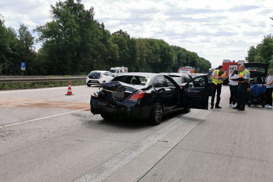 Unfall auf der A6: Mindestens zwei Menschen wurden verletzt