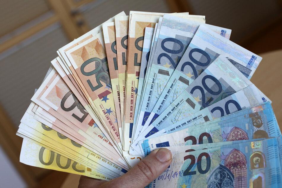 Die Zahl der Falschgeld-Fälle in Nordrhein-Westfalen hat im vergangenen Jahr drastisch zugenommen. (Symbolfoto)