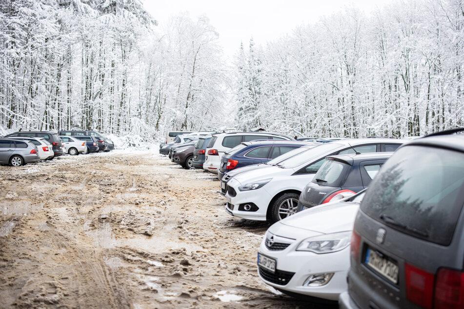 Die geöffneten Parkplätze in der Eifel waren wie schon am vergangenen Wochenende wieder gut besucht.