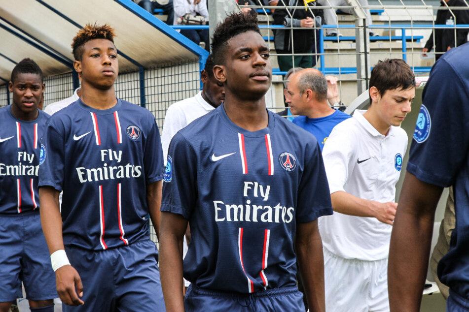Jordan Diakiese (Bildmitte) starb überraschend im Alter von nur 24 Jahren in der französischen Landeshauptstadt.