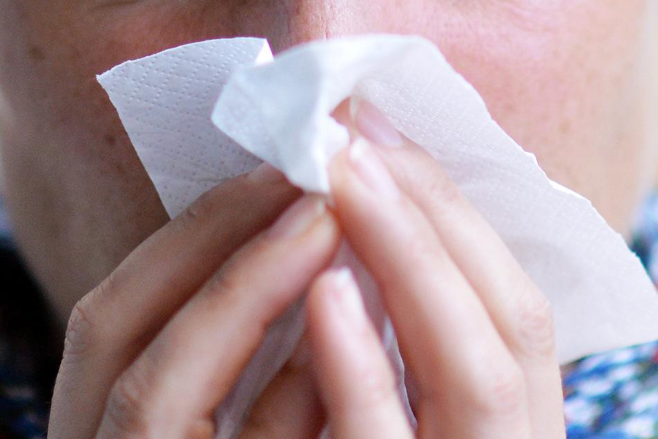 Schwere Krankheitsverläufe können bei einer Grippe insbesondere älteren Menschen drohen. (Symbolbild)