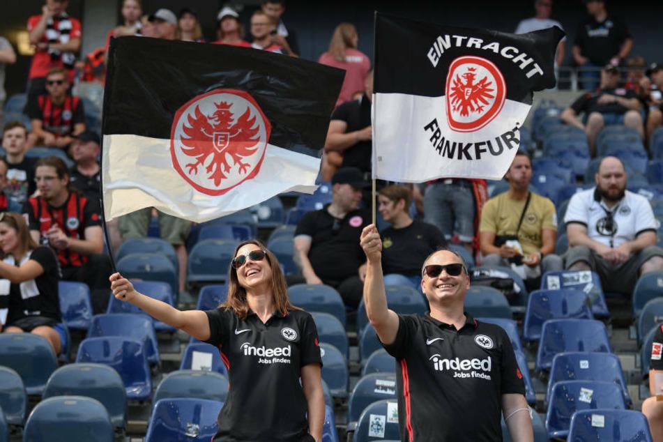 Immerhin das halbe Stadion darf bei den Heimspielen gegen den VfB Stuttgart und in der Europa League gegen Fenerbahce Istanbul mit Fans gefüllt sein.