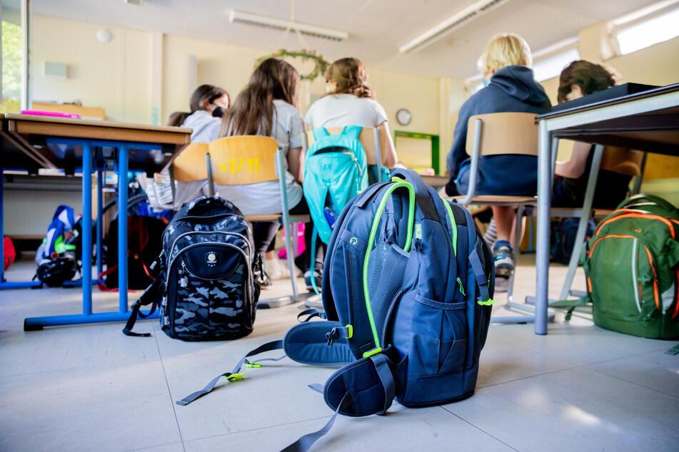 Ab Montag müssen Schule und Lehrer im Schulgebäude keine Masken mehr tragen.