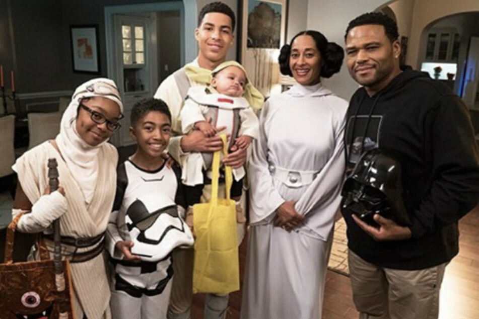 The cast of Black-ish (from l. to r.): Marsai Martin, Miles Brown, Marcus Scribner, Tracee Ellis Ross, and Anthony Anderson.
