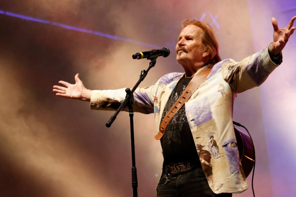 Der Berliner Entertainer Frank Zander (78) bei einem Auftritt.