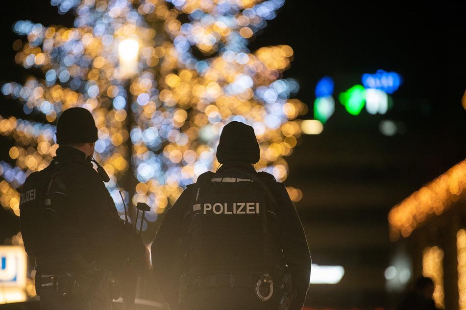 In der Nacht zu Freitag ist zum ersten Mal die nächtliche Ausgangsbeschränkung in Solingen zwischen 22 und 5 Uhr kontrolliert worden (Symbolbild).