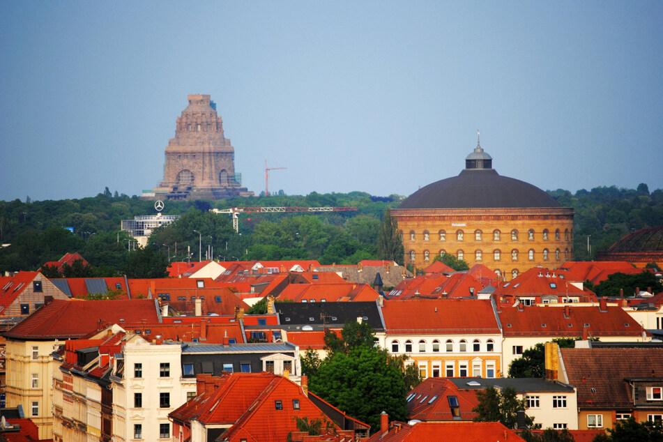 Der Fockeberg bietet einen schönen Blick auf Leipzigs Innenstadt und das Völkerschlachtdenkmal.