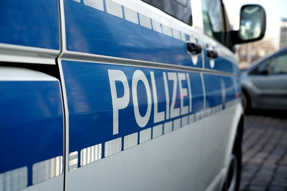 Junge (9) überquert Straße mit Fahrrad und wird von Opel erfasst: Klinik!