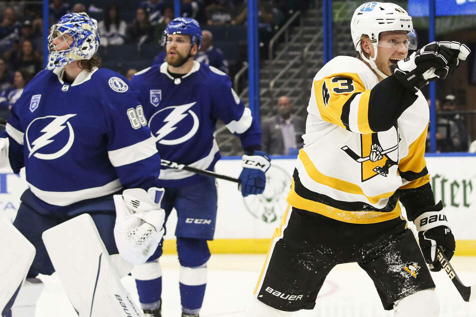 NHL: The Lightning shock their fans with an opening loss at the hands of the Penguins