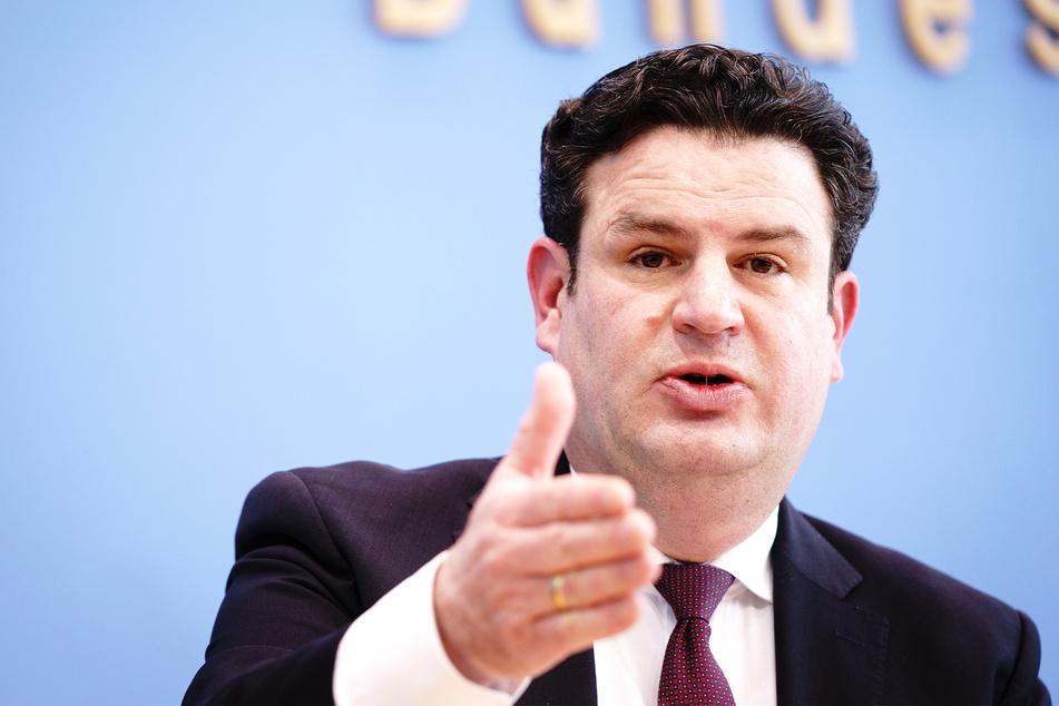 Hubertus Heil (48, SPD), Bundesminister für Arbeit und Soziales, wünscht sich noch mehr Corona-Tests in Unternehmen.