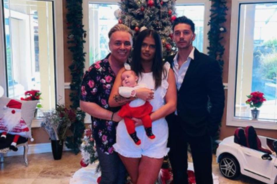 Harmonious family: father Barrie (50, l.), daughter Saffron (21, m.), and Saffron's ex Scott (25).