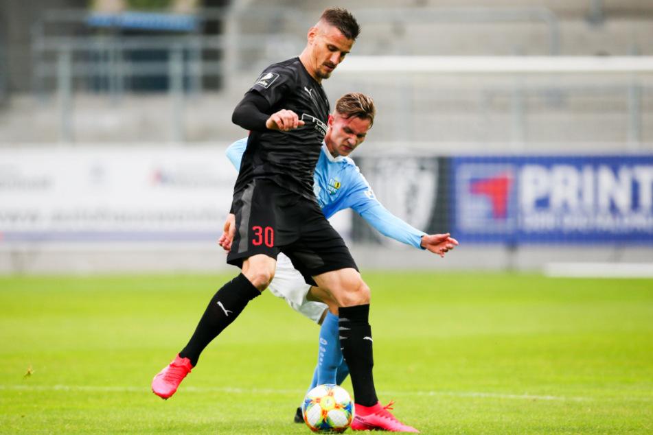 Ingolstadts Hoffnung: Wird Ex-Nürnberger Stefan Kutschke (l.) rechtzeitig für das Rückspiel fit? Mit 13 Toren und vier Vorlagen in 37 Liga-Spielen ist der Kapitän der Tor-Garant des FCI.