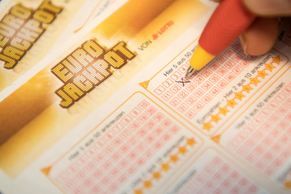Der EuroJackpot bietet satte Gewinne und ein einfaches Spielprinzip. (Foto: Fabian Sommer/dpa)