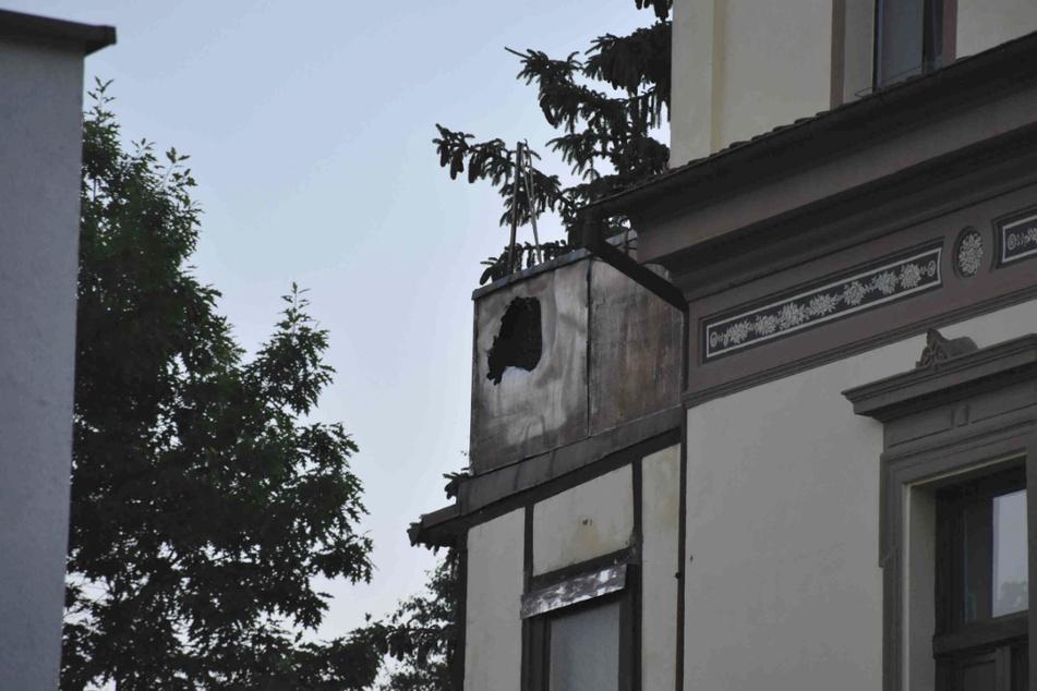 Auf dem Balkon des Mieters hatte es gebrannt.