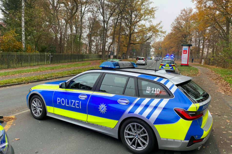 Die Polizei hat den Einsatzort weiträumig abgeriegelt.