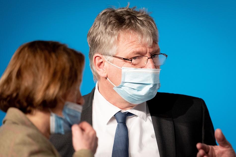 Jörg Meuthen (59), AfD-Bundessprecher, und Beatrix von Storch (49), AfD-Bundesvorstand, nehmen in der Dresdener Messehalle am Bundesparteitag der AfD teil.