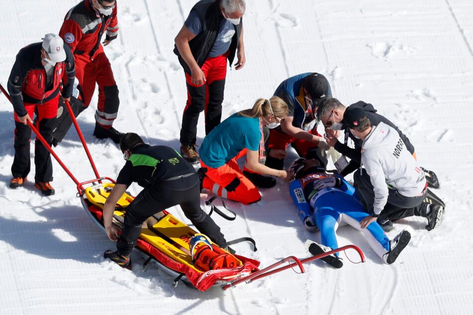 Heftiger Aufprall! Skiflug-Weltmeister Tande schwer gestürzt