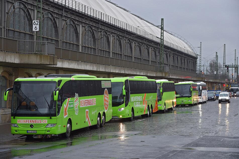 Diese Reise endete für einige Fahrtgäste am Dresdner Hauptbahnhof, bevor sie überhaupt angefangen hatte. (Archivbild)