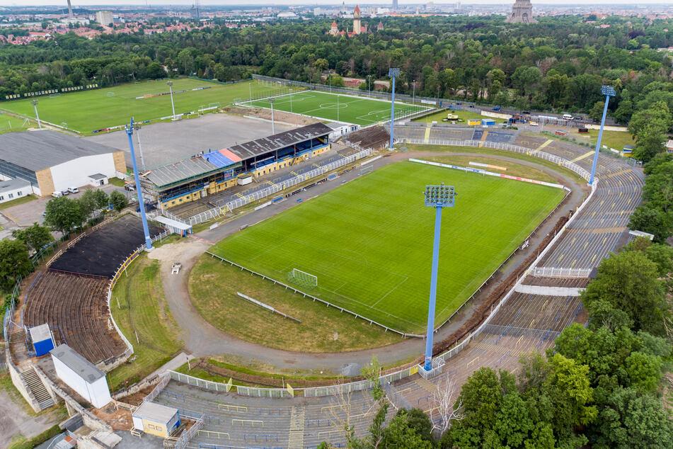 Das Bruno-Plache-Stadion, Spielstätte des 1. FC Lokomotive Leipzig.