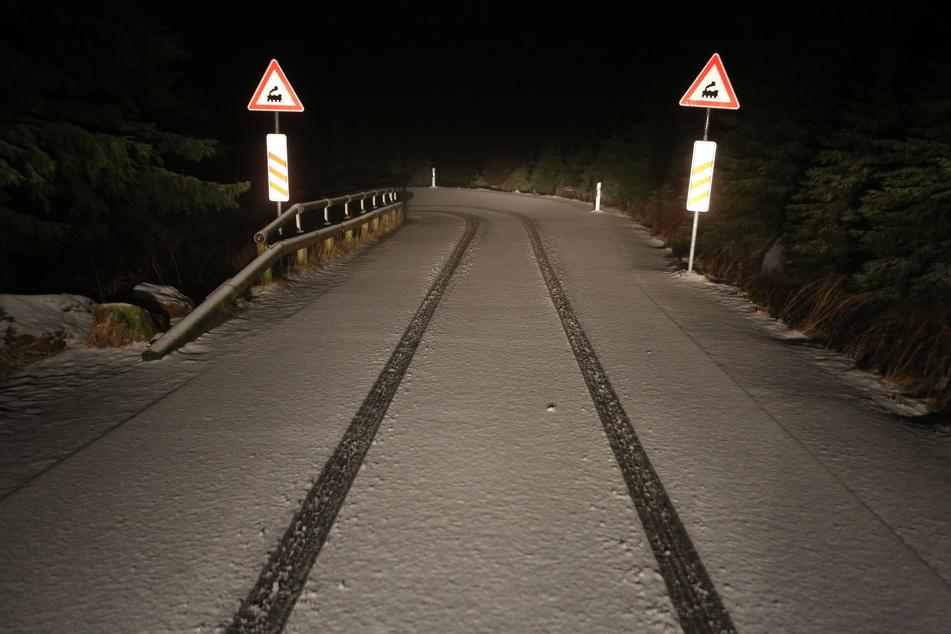 Bereits am Donnerstagabend fielen in Schierke (Wernigerode, Landkreis Harz) die ersten Flocken vom Himmel.