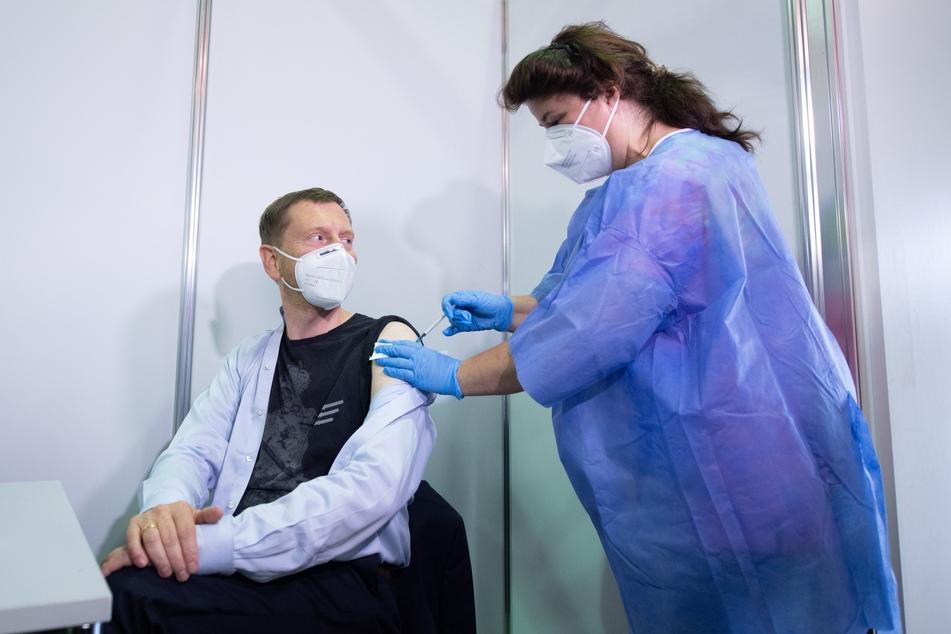 Kretschmer hat am 9. Juli im Dresdner Impfzentrum seinen zweiten Piks gegen das Coronavirus erhalten.