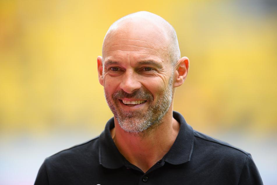 Dynamo-Coach Alexander Schmidt (52) ließ seine Schützlinge am heutigen Freitag in Pirna gegen den FK Ústí nad Labem testen. (Archivbild)