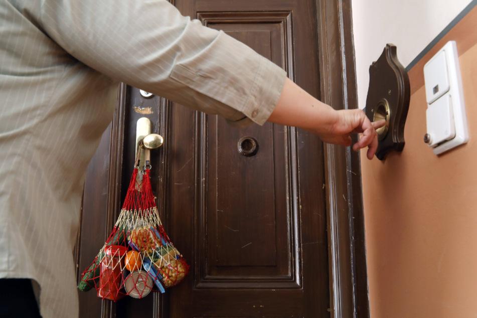 Zwei Wochen häusliche Isolation heißt es für jeden Rückkehrer aus dem Ausland.