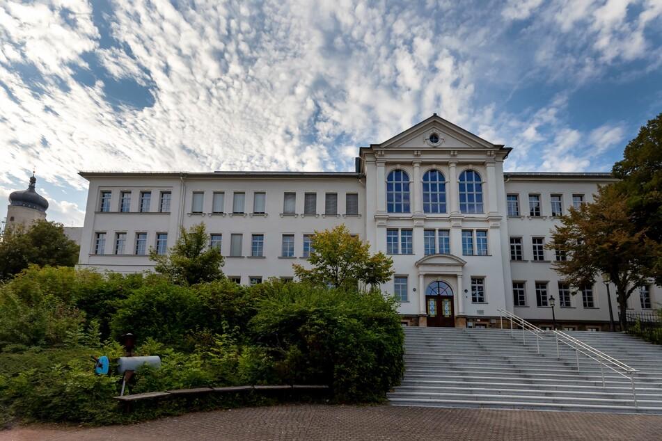Am Marienberger Gymnasium gibt es einen Corona-Fall. Mehrere Schüler befinden sich aktuell in Quarantäne.