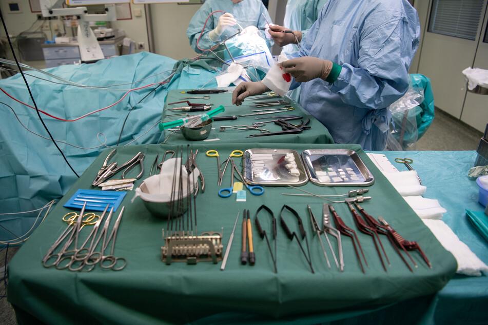 Arzt entfernt 18-Jährigem aus Bremen gesundes Organ