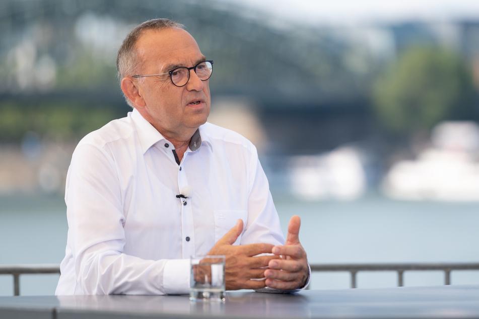 Norbert Walter-Borjans, Vorsitzender der SPD, spricht beim ZDF Sommerinterview 2020 für die Sendung Berlin direkt.