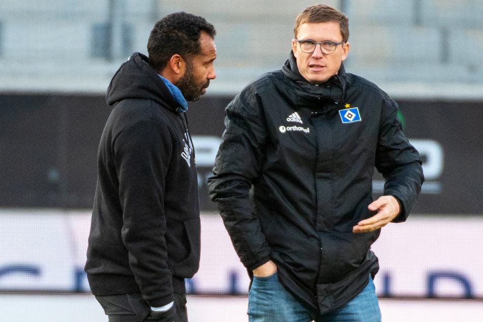 Sportdirektor Michael Mutzel (41, rechts) im Gespräch mit Trainer Daniel Thioune (46).