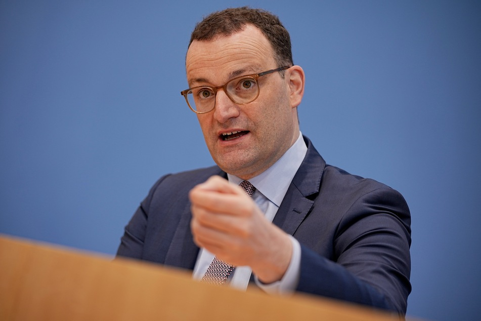 Bundesgesundheitsminister Jens Spahn (40, CDU) gab am Montag bekannt, dass für den Impfstoff von Johnson & Johnson die Impfpriorisierung aufgehoben wird - wie bei AstraZeneca.