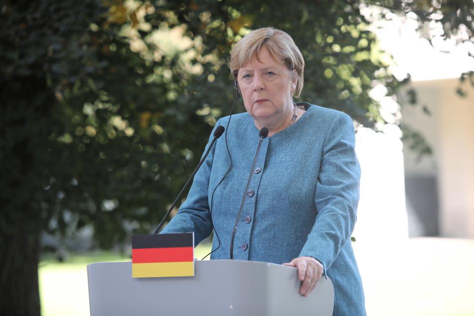 Kanzlerin Angela Merkel (67, CDU) hat die Bürgerinnen und Bürger in Deutschland zum Start einer bundesweiten Impfaktionswoche aufgerufen, die Angebote für Corona-Impfungen zu nutzen.
