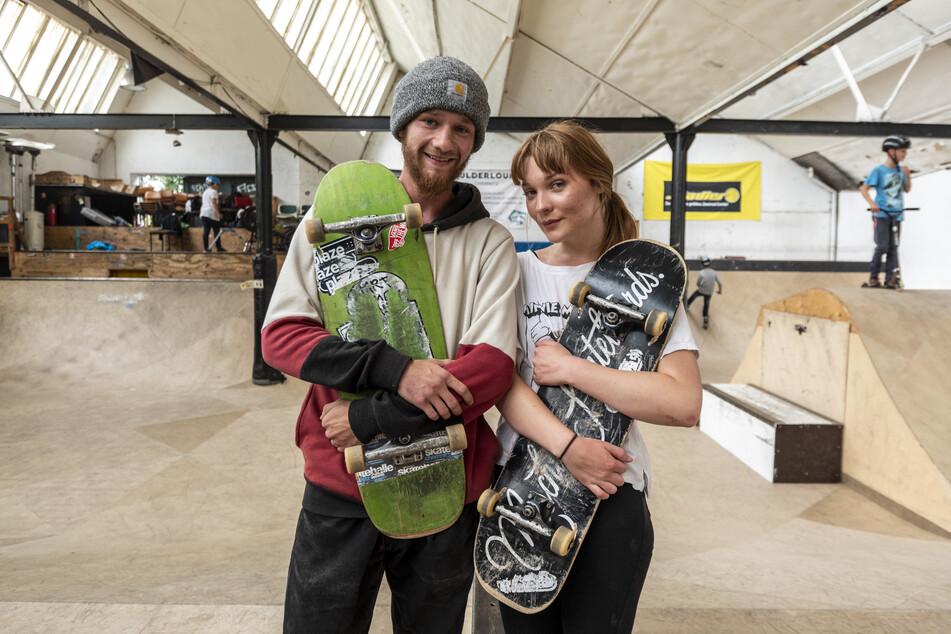 Skater-Boy und Skater-Girl: Maximilian Malner (21) und Lisbeth Werner (18) schätzen Zusammenhalt, Hilfe und Toleranz in der Skater-Szene. Sie sind für eine neue Halle.