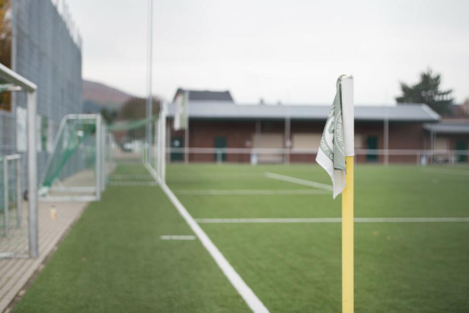 Berliner Fußball-Verband verordnet Corona-Zwangspause für Amateurfußball