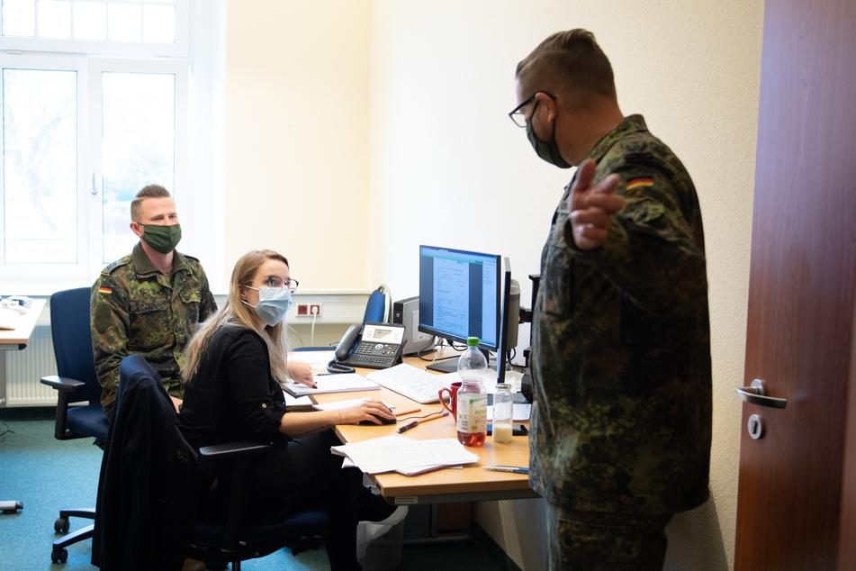 Sachsens Gesundheitsämter haben während der Krise viel zu tun. In Bautzen unterstützt die Bundeswehr bei der Kontaktnachverfolgung.