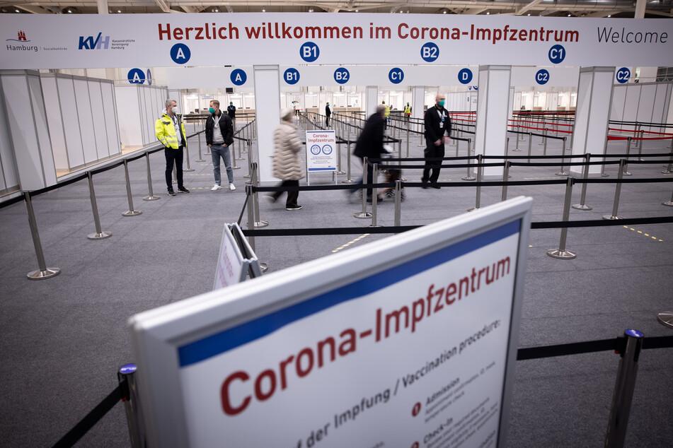 Das Impfzentrum in den Hamburger Messehallen wird voraussichtlich Ende August schließen. (Archivfoto)