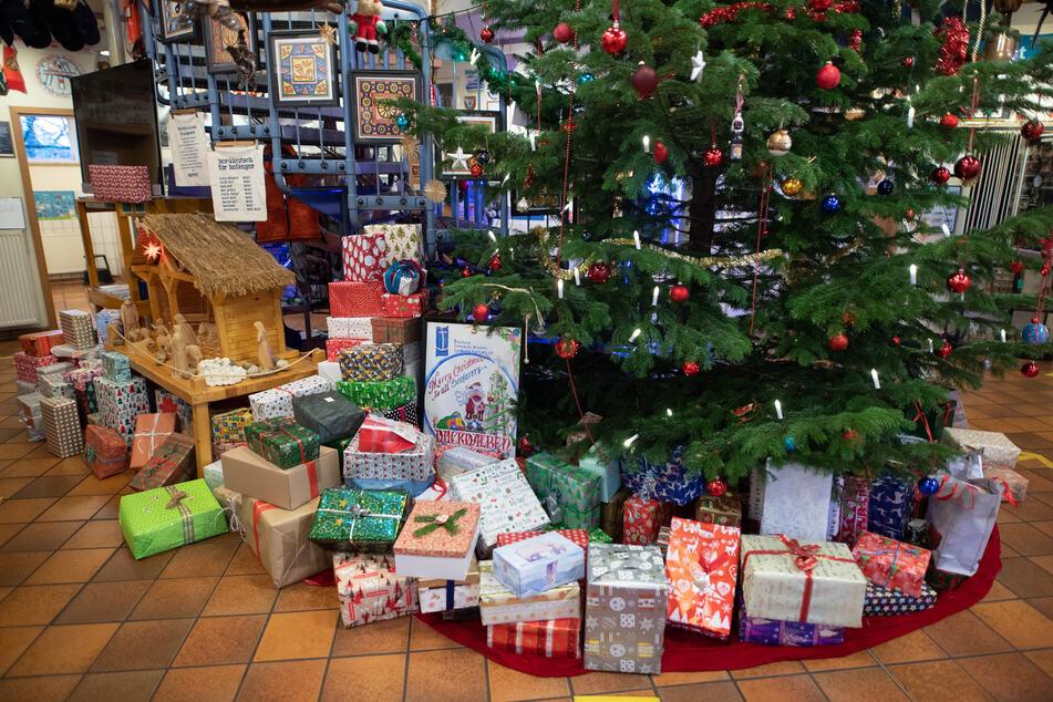 Geschenke gehören unter dem Baum - ganz klar!