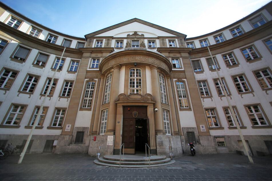Die Außenfassade des Land- und Amtsgerichtes.