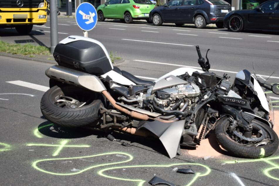 Biker nach Unfall in Kölner Innenstadt schwer verletzt