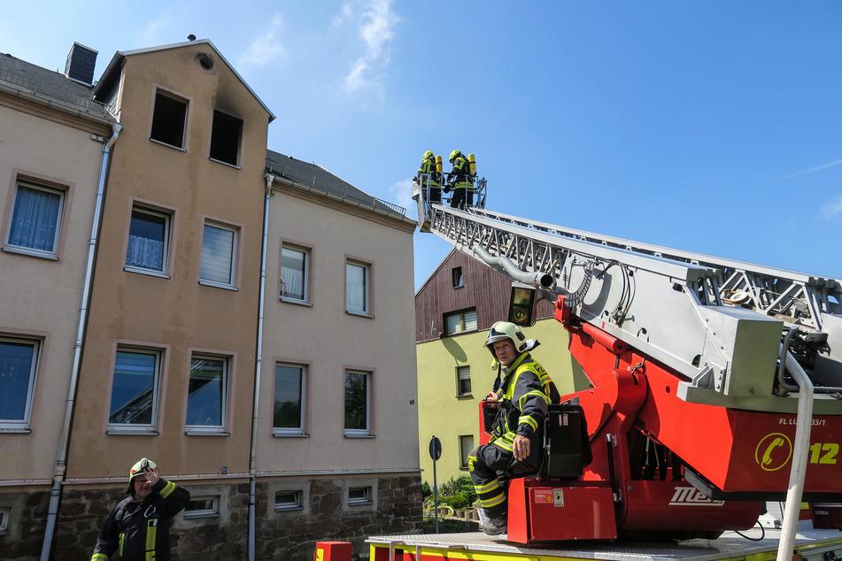 In Lugau ging eine Wohnung in Flammen auf.