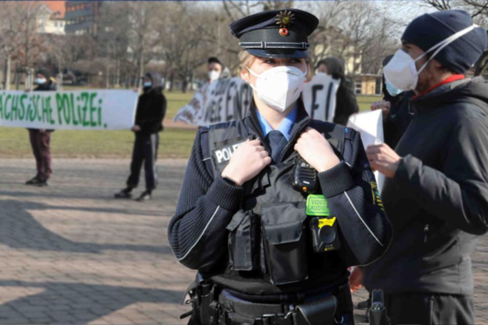 Polizei Sachsen bekommt auch Bodycams: Proteste im Dresdner Alaunpark