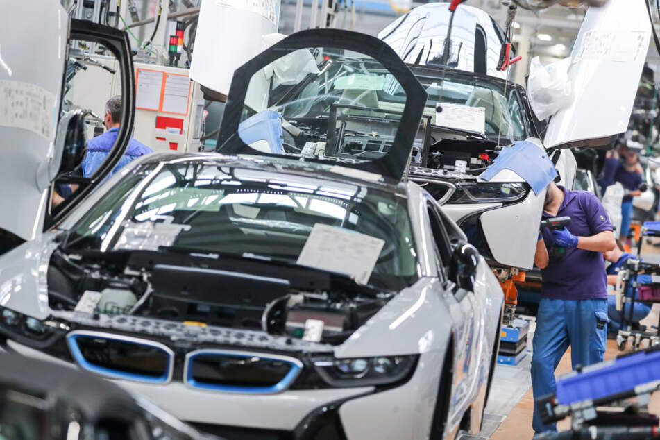 BMW legt Zahlen vor: Kräftige Rückgänge erwartet