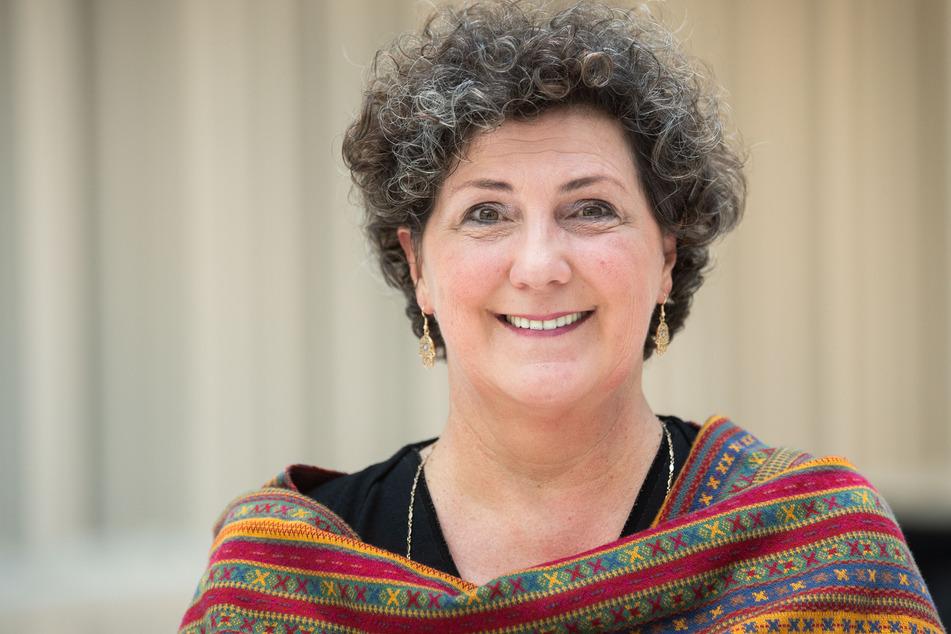 Anja Piel, Fraktionsvorsitzende Bündnis 90/Die Grünen im niedersächsischen Landtag, steht im Landtag.